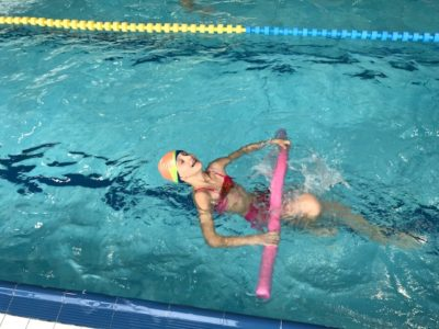plavec ve vodě
