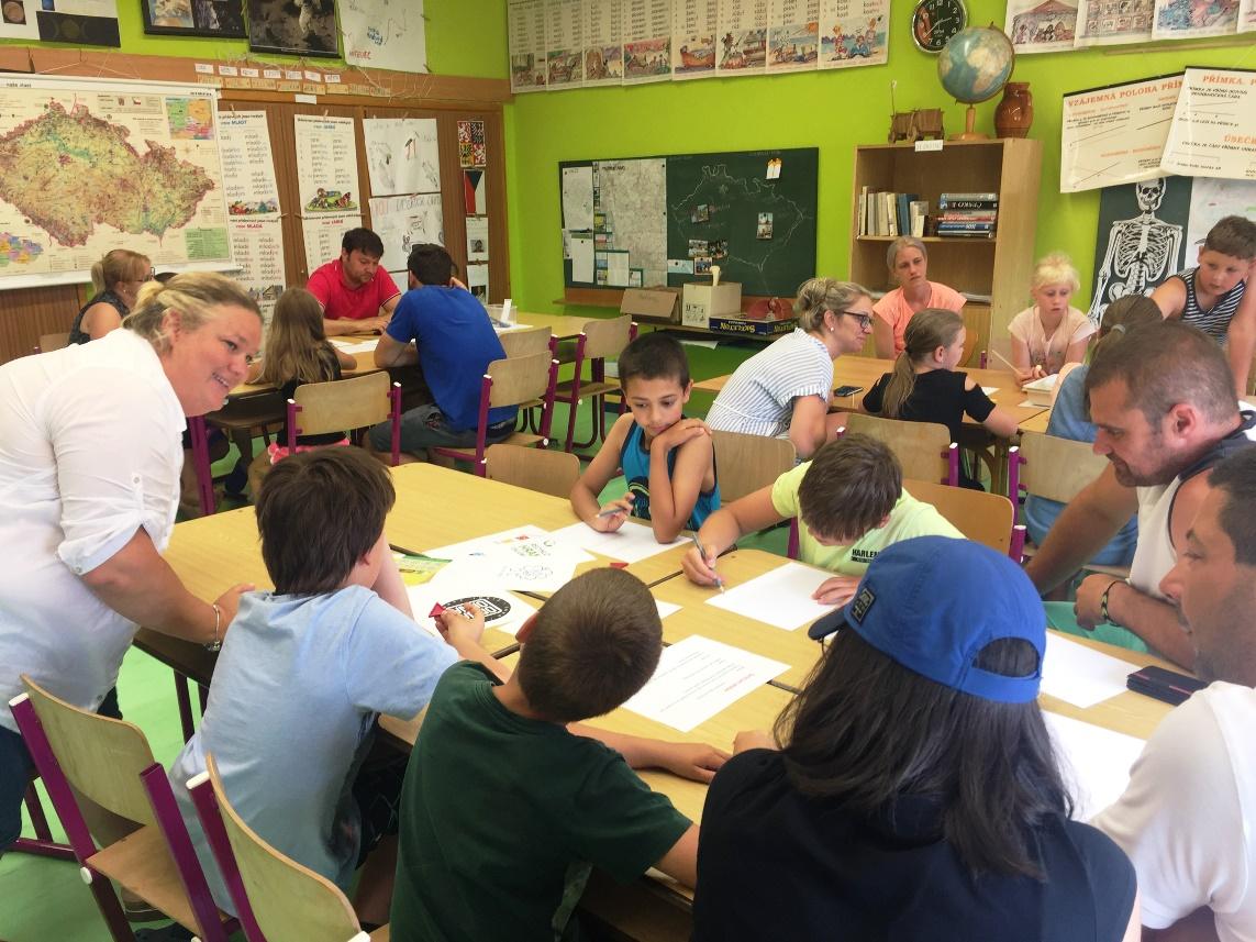 děti a rodiče v centrech aktivit